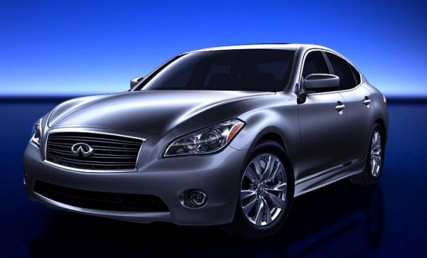 2011 Infiniti M. The 2011 Infiniti M56 costs