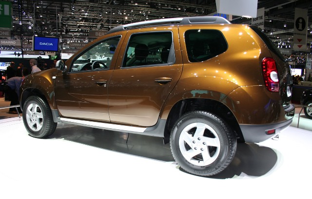 http://images.nitrobahn.com.s3.amazonaws.com/wp-content/uploads/2010/03/Dacia-Duster-1.jpg