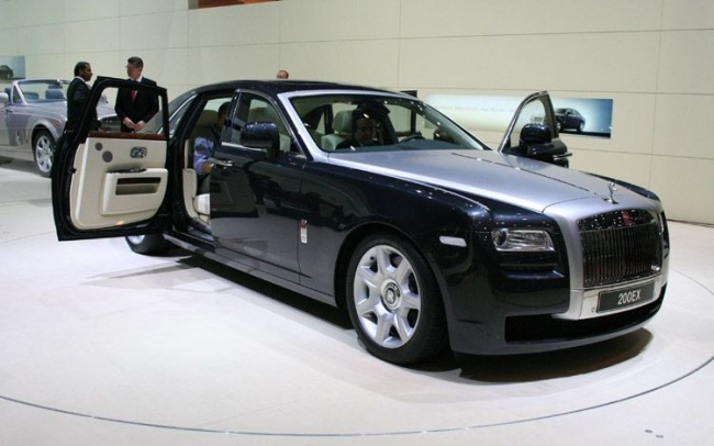 Rolls Royce planning to bring out a Ghost derivative